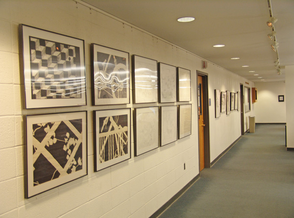 Collegiate art department art display using Click Rail System by AS Hanging Systems.