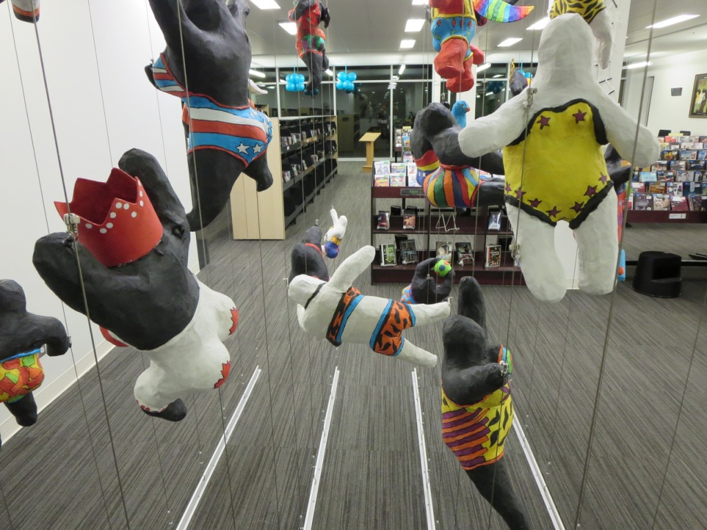 Tensioned Cable System creates 3D art display.