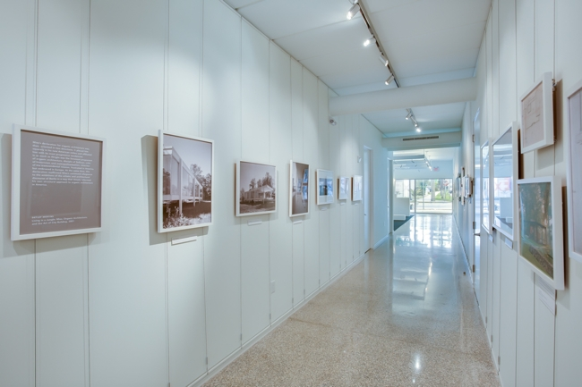 Architecture Museum Gallery Display using Tensioned Cables by ashanging.com.