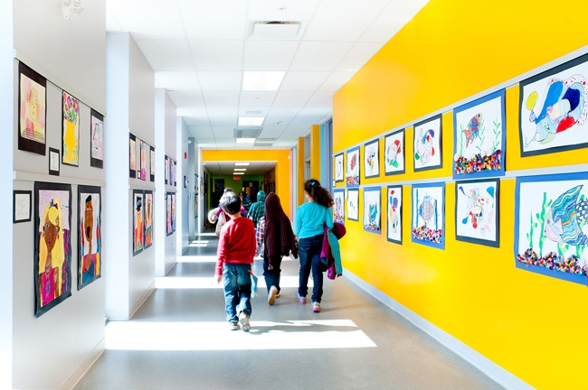 Casso® Display Rail by AS Hanging Display Systems in Schools.