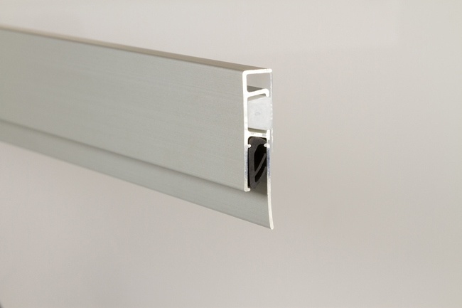 Casso® Display Rail side view by AS Hanging Display Systems