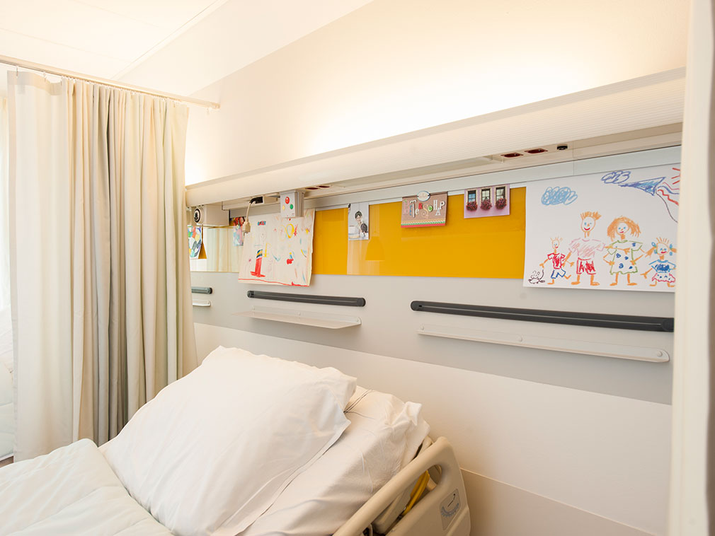 Healthcare Design: Casso Display Rail a genuine patient centered care product
