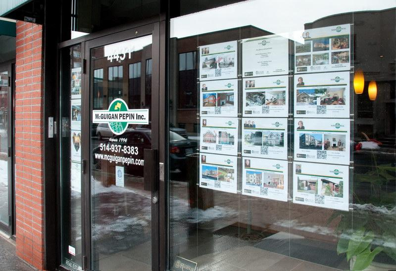 Acrylic Pocket Displays Create Perfect Real Estate Window Display Systems