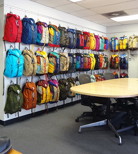 Retail hanging systems – Retail Wall Display Systems